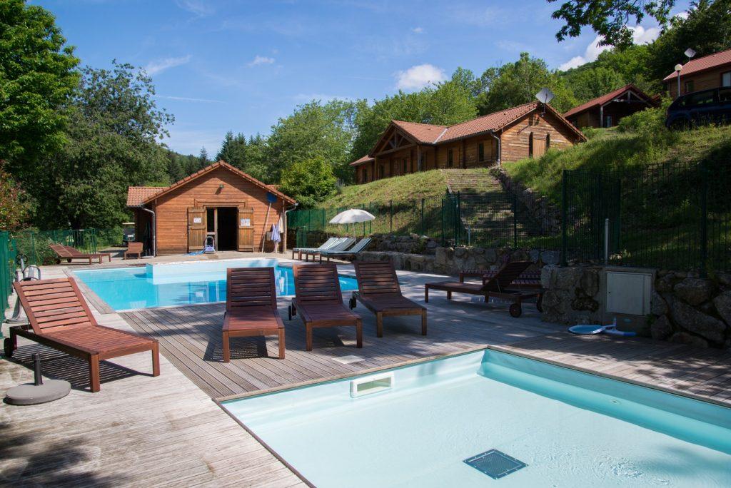 Chataigniers_du_lac piscine
