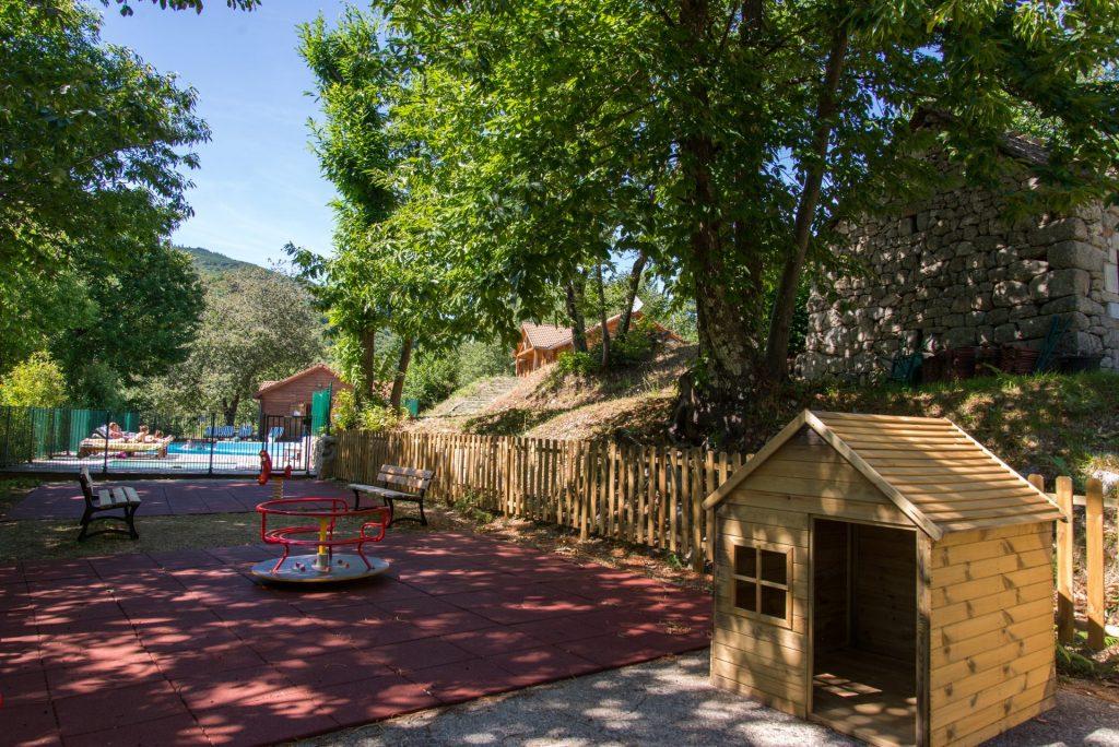 aire de jeux - village vacances villefort