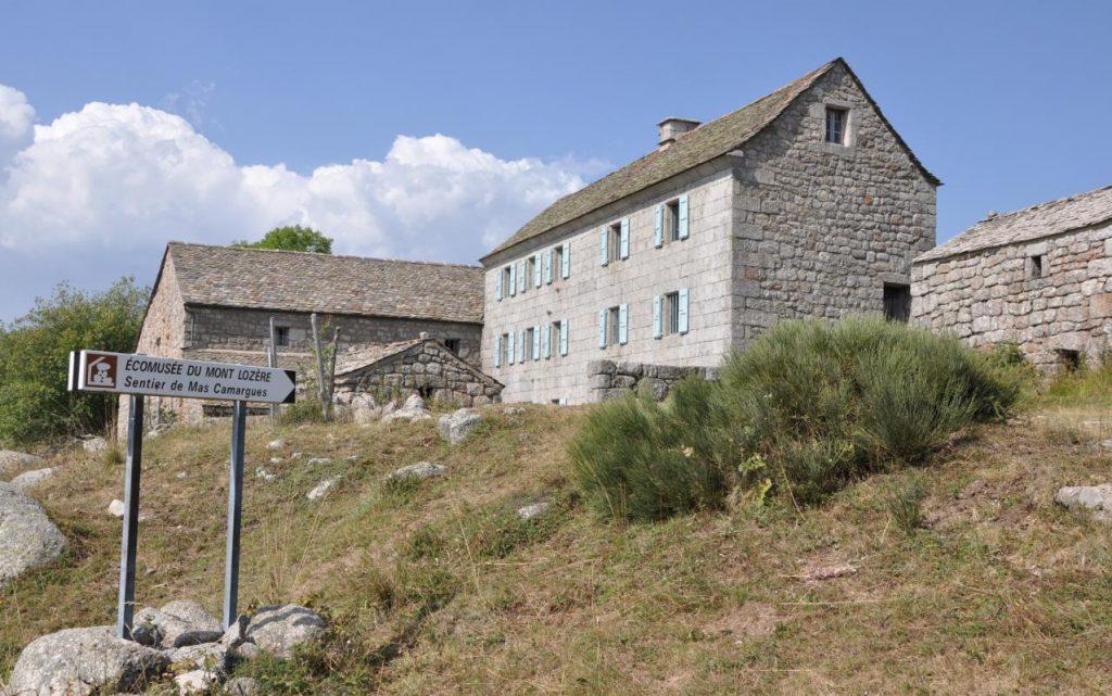 Ecomusée-mont-Lozère-Sentier-Mas-Camargues-1024x641