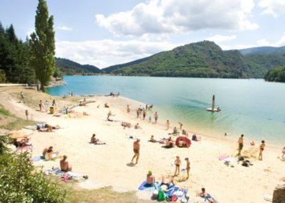 Plage et lac de Villefort